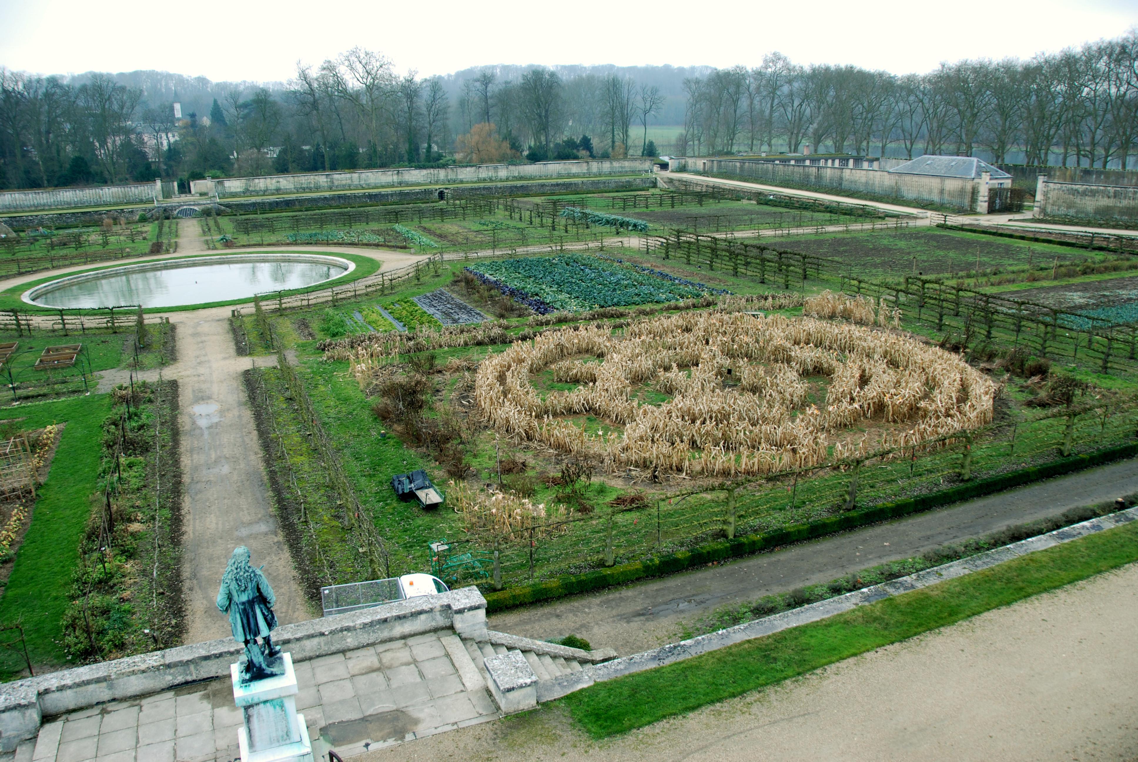 5 centre potager du roi spirale mais le jardin fengshui le jardin feng shui. Black Bedroom Furniture Sets. Home Design Ideas