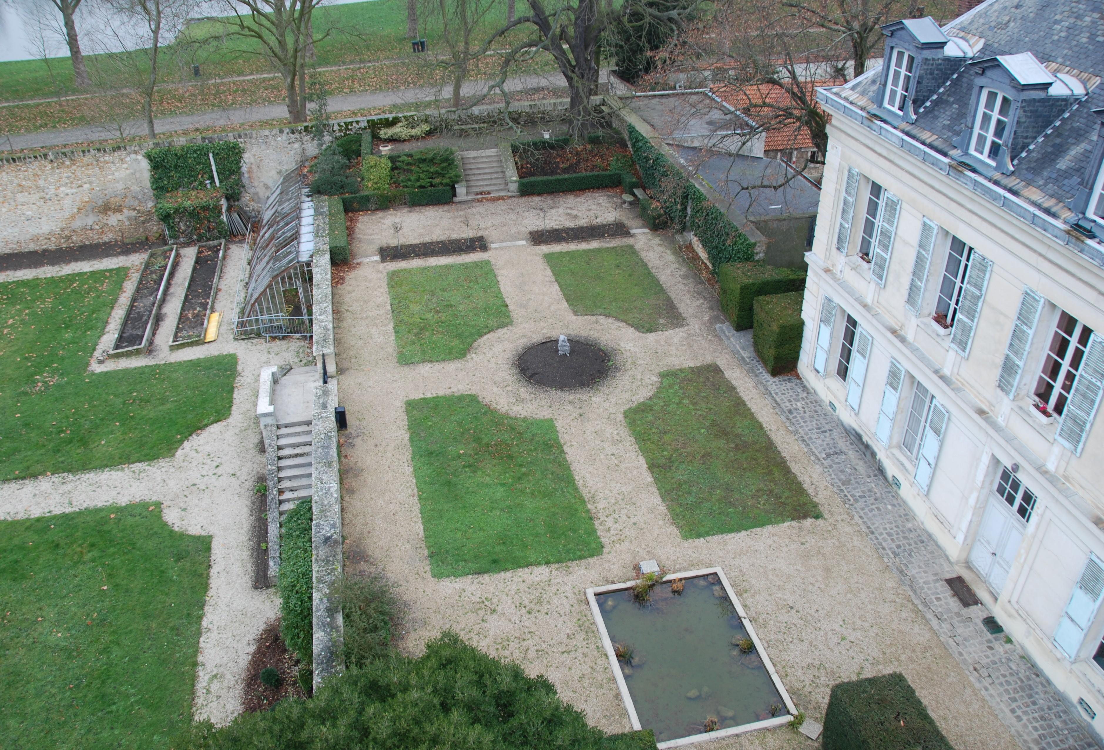 photos a riennes du potager du roi le jardin feng shui. Black Bedroom Furniture Sets. Home Design Ideas